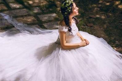 拍一套婚纱照大概要多少钱