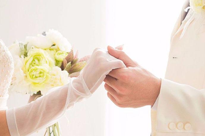 一提到一对新人结婚,人们就会不可避免的想到他们的婚纱照。拍摄婚纱照是新人们对彼此感情的体现,也是对未来美好幸福的一种寄托与鼓励。因此,拍摄好婚纱照的重要性不亚于结婚举办的婚礼。对于新人来讲,大家都是首次结婚拍摄婚纱照,各种经验和注意事项都不是很清楚,所以选择一个好的婚纱摄影是非常重要的。不同的地区我们要选择的婚纱摄影肯定是有所不同的,那么,上海的婚纱摄影哪家好呢?