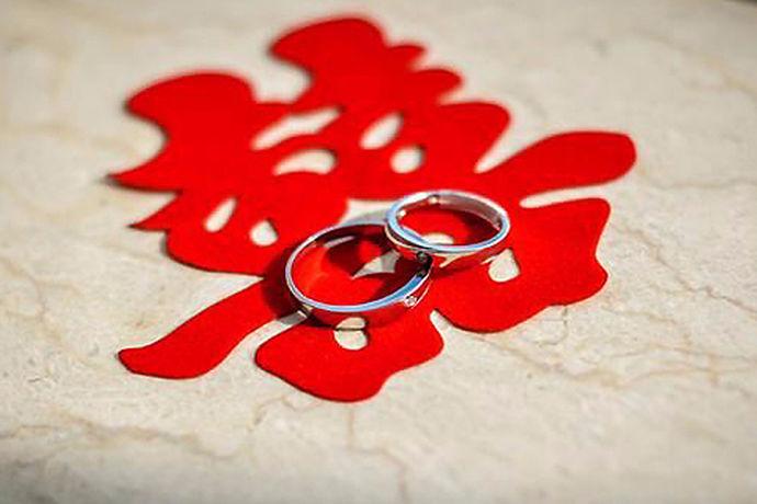 中国是礼仪之邦,讲究礼尚往来,亲戚友人之间互相赠礼是彼此情谊的体现,也是传统礼节。参加亲友的婚礼一般都是要随礼金的,那么通常结婚红包送多少呢?给结婚红包又有什么讲究呢?接下来,小编为大家介绍一下相关内容,一起来看看吧。