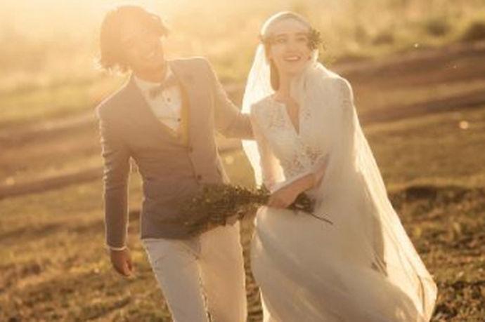 毕节是贵州最为出名的一个避暑之地,同时也是许多新人选择拍婚纱照的最热门的地方之一,毕节凭借着许多美不胜收的景色和充满着独特的人文气息,为许多新人拍摄婚纱照带来不一样的体会,接下来中国婚博会小编就为大家讲讲毕节婚纱摄影哪家好和拍婚纱照注意事项吧!