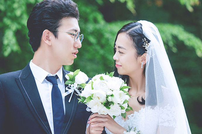 在迎娶时,许多新郎会被新娘的亲戚朋友们加以捉弄,象征着以后婚姻的幸福。那么关于那些新郎迎娶的新娘的游戏大全你是否了解呢?