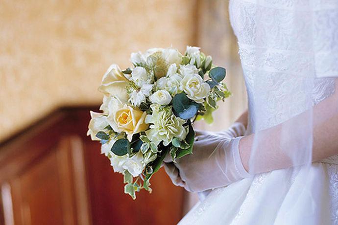 人们用来纪念一件事情的方法真的很特殊,拍照是现在一种最为常见的方法啦,结婚这种大事,拍婚纱照也是少不了的啦,看到别人拍的美美的婚纱照自己也会羡慕一番,想着自己以后结婚也要拍好看的婚纱照,大家都知道,拍照不仅仅是与摄影技术有关,还与拍照时候的拍照背景以及造型等有很大的关系,今天小编就带大家来看一下在我国著名的旅游城市三亚哪里拍摄婚纱照好。