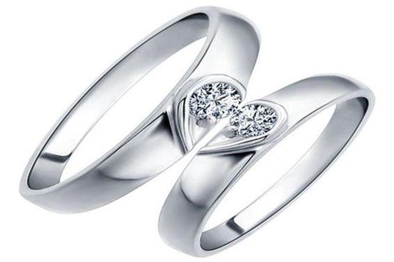 情侣戒指怎么戴法
