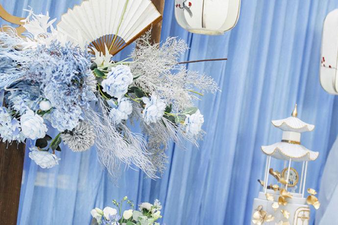想要筹备一场完美的婚礼并不是一件简单的事,其中有太多复杂的细节流程,如果有一份准备清单和结婚流程,可以按照这份流程一点一点进行,再复杂的事情也都变得简单啦!请收好小编为大家准备的这份超详细的婚礼筹备清单!