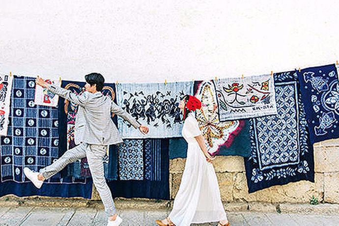在国内有很多婚纱摄影公司,大家拍婚纱照都会选择怎样的婚纱摄影公司呢?很多新娘在选择婚纱拍摄地时都很彷徨,怕选错婚纱摄影商家,拍不出自己想要的效果,那么我们一起来看看哪家婚纱摄影好吧!