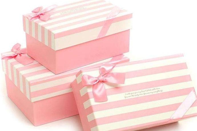 对于不少刚刚进入社会工作的朋友们来说,总会疑惑,不知道同事结婚送什么礼品,好对于结婚礼物确实是比较讲究的,毕竟每个人一辈子只结一次婚。同事赠送的礼物必定是美好的回忆。