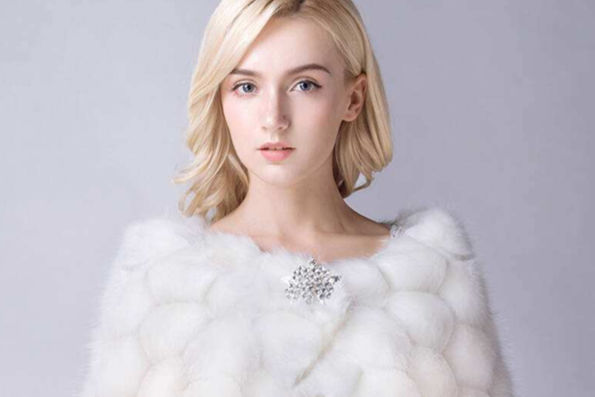 冬天的婚纱礼服