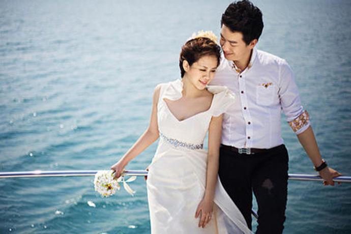 对于海南来说,她一直都是一个拍照圣地,而且她也是一个旅游胜地。很多新人都会从外地到海南来拍摄自己的婚纱照。今天中国婚博会小编就为大家带来海南婚纱摄影外景哪里好?