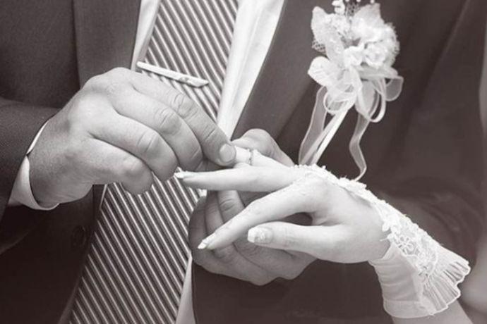 对于大家来说,人的这一生可能最重要的就是自己结婚了。婚姻大事自古就是人生中一个非常重要的阶段。对于结婚的年龄来说,不同的人有着不同的想法。今天中国婚博会小编就为大家带来94年什么时候结婚好?