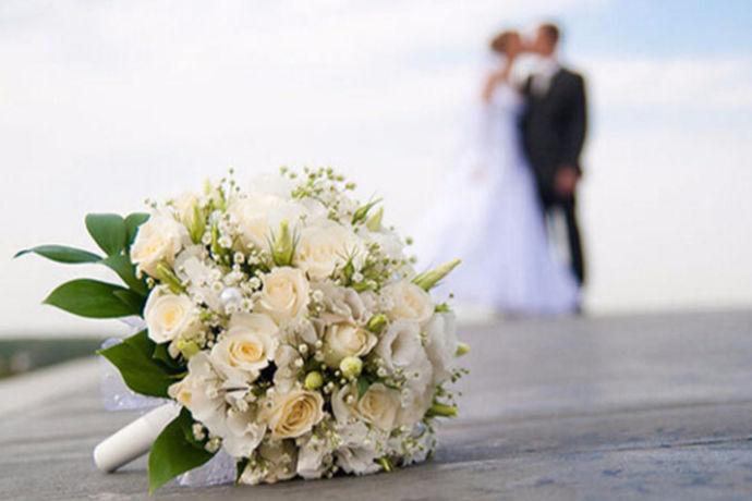 相信从结婚到婚后生活,每一天都是非常的有仪式感的,那么特别是结婚周年纪念日,双方肯定会给彼此挑选礼物,以此来表达自己的心意。