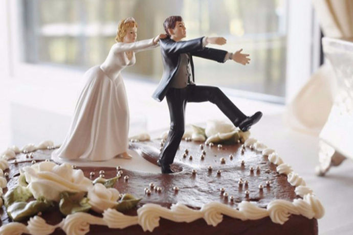 对于大部分的人来说,在结婚之前都会去拍摄婚纱照,这是很多人的一个回忆,今天中国婚博会小编就为大家带来婚纱照的价位。不了解的可以来看看。