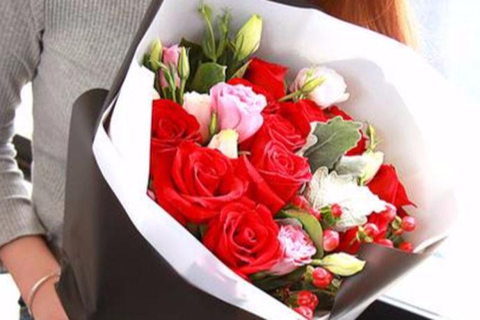 对于大部分的女生来说,都喜欢生活中的仪式感,因为这是一种能够让感情一直保持如初的催化剂。今天中国婚博会小编就为大家带来结婚五周年送什么花。