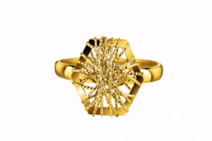 大部分的消费者在日常生活中都会给自己买一些喜欢的装饰品。对于常见的饰品材质来讲,当然就是金材质的,银材质的。今天中国婚博会小编为您带来买一个金戒指多少钱?