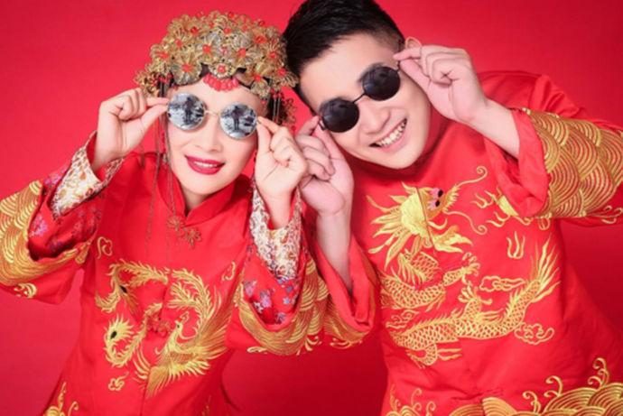 想要结婚的新人都会去拍摄自己的婚纱照。因为拍摄婚纱照是在结婚之前一个必要的步骤。那么今天中国婚博会小编就为大家带来怎么样拍婚纱照?