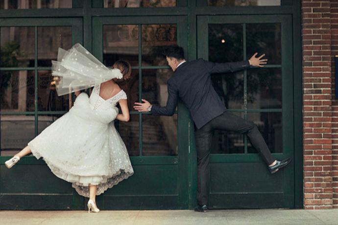 新人在结婚前都要拍摄婚纱照,现在市面上有很多不同的婚纱摄影品牌。消费者应该选择哪一些品牌比较靠谱呢?今天中国婚博会小编为您带来婚纱摄影哪好?