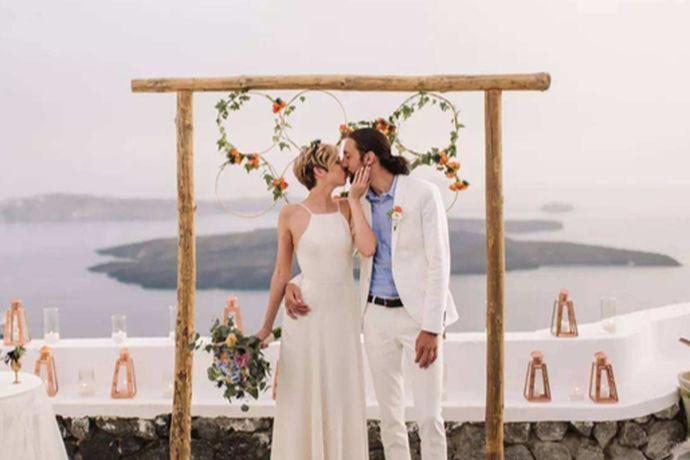 婚礼结束后,新婚夫妇可以完全放松,和一对夫妇共度蜜月。蜜月目的地的选择对新人蜜月的质量至关重要。蜜月要去哪里?