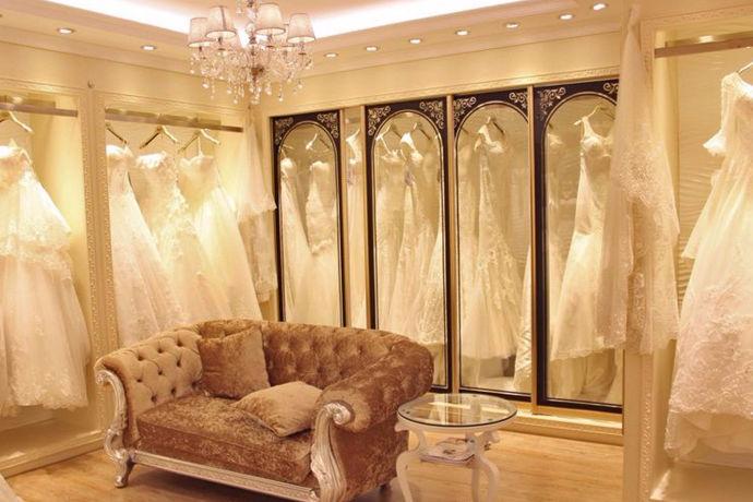 我们都知道在中国最发达的城市就是北京和上海。这两个城市近几年来的发展速度实在是令人惊叹,而婚庆行业在这两个城市中的发展也是十分不错的,今天中国婚博会小编就为大家带来上海有名的婚纱店。