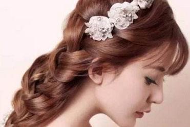 简单的新娘发型