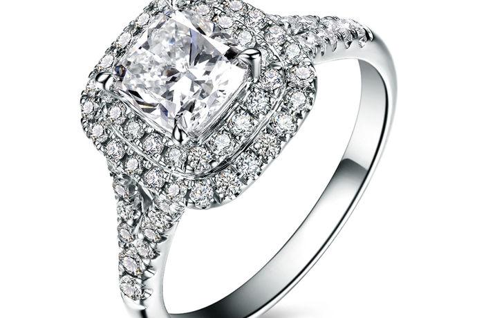 钻石作为一种新生饰品,越来越受到年轻人的喜爱和追捧,结婚买钻戒也成了结婚准备过程中,不可或缺的一步,随着人们对钻戒喜爱程度的增加,卖钻戒的品牌也如雨后春笋般出现在大家的视野中,那今天小编就给大家简单介绍一下卖钻戒的品牌,为大家以后买钻戒做个参考。