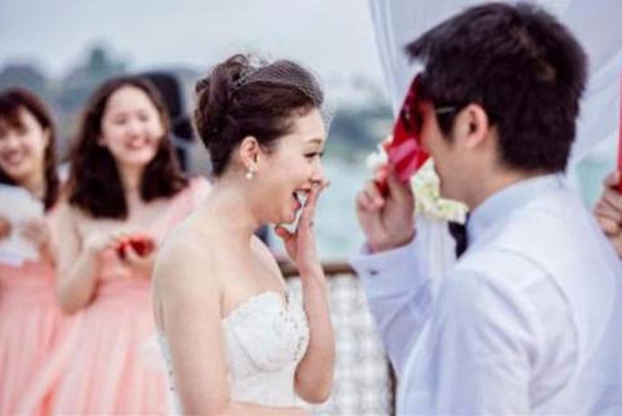 无论是用于背景音乐还是婚礼MV制作,一首动听的歌曲会为婚礼增色不少。这里就为大家推荐60首适合结婚唱的歌曲,一起来听听吧~