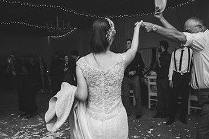 结婚对于我们每一个人来说越来越重要。毕竟结婚是一件大事。是人的一辈子中最重要的事情。现在随着人的思想越来越开放,结婚的对象不仅仅局限于本国人了,越来越多的人喜欢找外国人结婚。那么你知道怎么找外国人结婚吗?今天中国婚博会小编就给大家介绍一下。