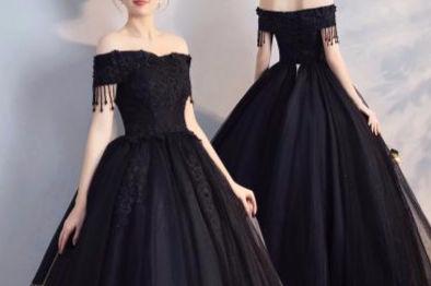 黑色的礼服
