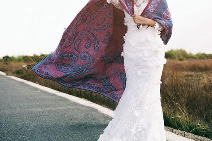 相信大家在日常生活中应该听说过很多不同的婚纱摄影品牌,作为消费者在挑选婚纱摄影品牌的时候应该注意哪些方面呢?今天中国婚博会小编就为大家带来聚焦婚纱摄影怎么样的相关介绍。