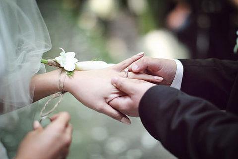 有本命年结婚的人吗