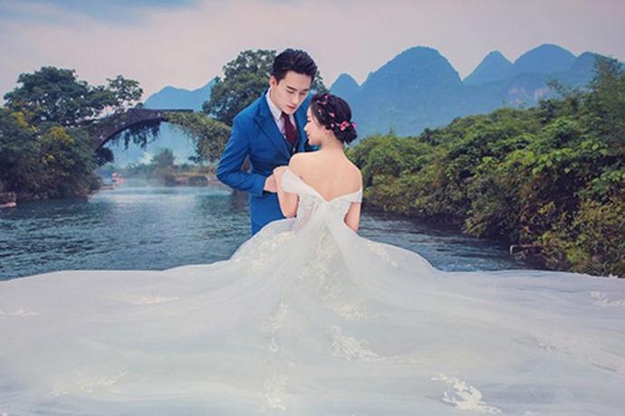 婚纱摄影作为一直以来的一个热门行业,深受人们的喜爱和追捧,因为他们可以将自己一生中最重要的时刻托付于此。深圳作为我国的一个标志性城市,不仅仅经济非常的发达,也有着许多美丽的风景。当然这也就吸引了许多知名的婚纱摄影公司驻地于此,为人们拍摄出许多优秀的作品。那么相信很多人可能就会问了,深圳有哪些比较好的婚纱摄影公司呢?小编给大家整理了一些相关资料,接下来就让小编给大家介绍一下相关知识以及相关内容。