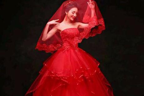 漂亮的婚纱礼服