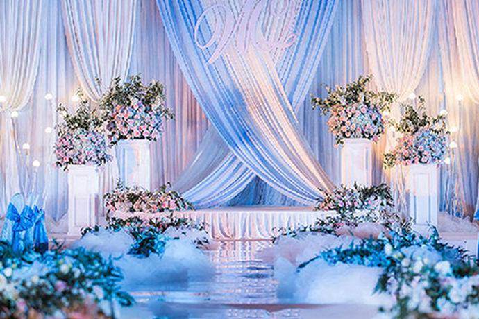 结婚是人生中一件非常赚的事情,很多人对于自己的婚礼都非常的重视,对于新人来说,筹划自己的婚礼需要花费很多的时间与精力。今天中国婚博会小编就为大家带来送什么结婚礼物好。