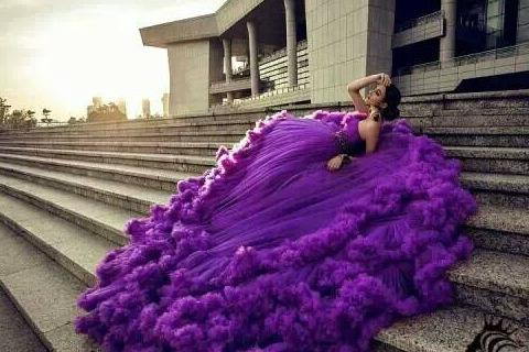 紫色的婚纱