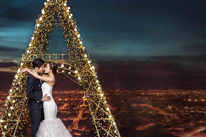 """一提到结婚,必不可少的一件事就是拍婚纱照,现在的年轻人结婚的话,很多人都会选择去海外拍摄他们的婚纱照,这样的话他们就可以借着拍婚纱照的机会还可以出国度个""""蜜月"""",一举两得。所以这种方式越来越受欢迎了,不过海外旅拍可不像国内旅拍那么简单,在一个人生地不熟的地方拍婚纱照,最大的安全感就来自于你的拍摄团队。下面就由中国婚博会小编为您简单的介绍一下关于海外婚纱摄影品质专家的一些相关内容吧!"""