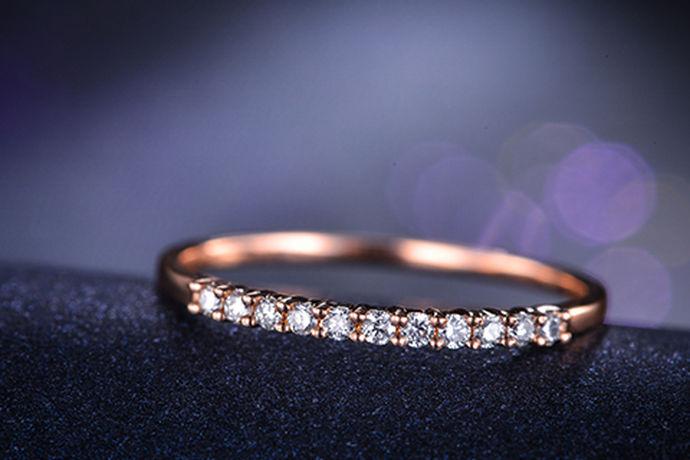 现在最受欢迎的首饰恐怕就是钻戒了。但是每一颗钻石都有自己不同的价格。你知道金伯利钻戒价格吗?今天中国婚博会小编就给大家带来金伯利钻戒价格表图片。