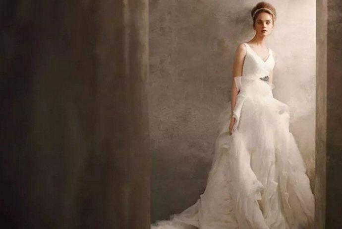 结婚对于每一个女性来说都是非常重要的事情,婚纱都是在结婚的现场穿的,所以每一个女性挑选问婚纱不是十分小心的,一件好的婚纱是要注意款式的,还要注意品牌和售后的,只有这样才可以挑选到自己喜欢适合的婚纱,那么,十大婚纱店品牌排行榜上面的婚纱店有哪些呢?接下来就由中国婚博会小编带领大家看看吧!