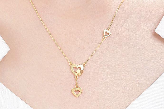 现在黄金市场是越来越发达,那么关于选购的黄金饰品,应该如何选购一些黄金项链呢?关于女性朋友们的黄金项链,您是否又了解,下面就跟小编一起去了解吧。