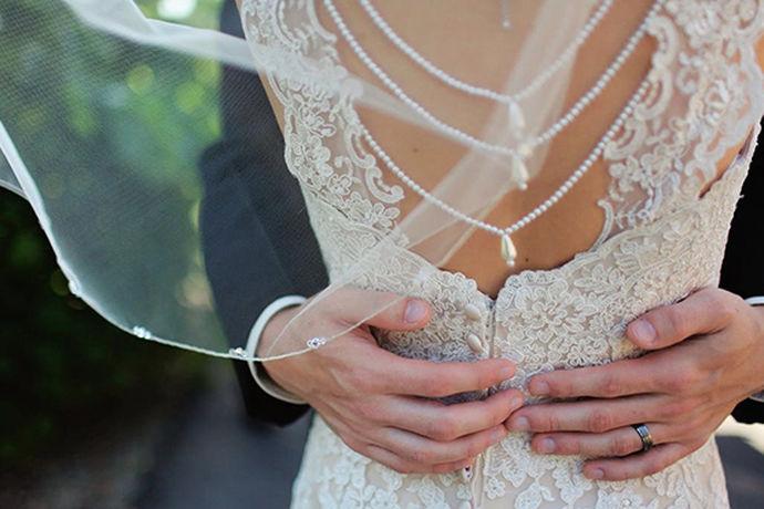 进入拍摄婚纱照的高峰期,结婚的新人开始准备拍婚纱照了。在成都的影楼工作室上千家,如果一家一家去对比显然是不实际的。今天小编就给大家分享一下成都摄影工作室前十名有哪些。