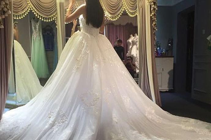 美美的婚纱照总是让人第一时间感觉到满满的爱,有时候看画面就是一记重重的甜蜜的暴击,结婚照是两个人的甜蜜合照,也是两个人美好时光的纪念,今天小编就给大家带来台北新娘婚纱摄影电话,带你了解一下台北新娘婚纱摄影。