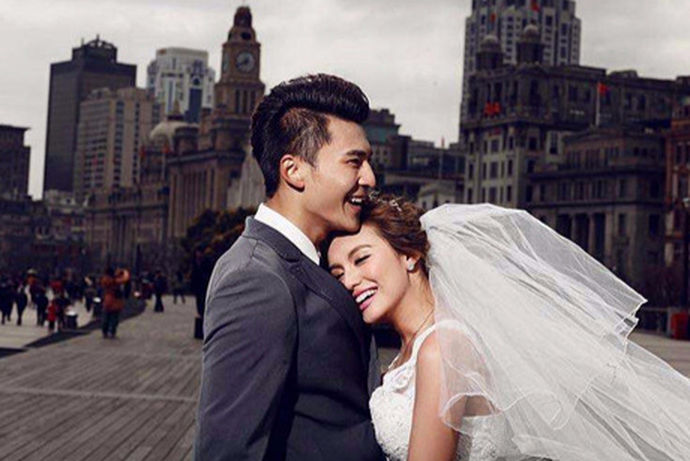 每个新娘都希望自己在婚礼中能够非常的好看,因此他们在婚礼举行之前会选购自己比较喜欢的婚纱。在苏州有着自己的婚纱一条街。今天中国婚博会小编就为大家带来苏州婚纱城婚纱价格表。