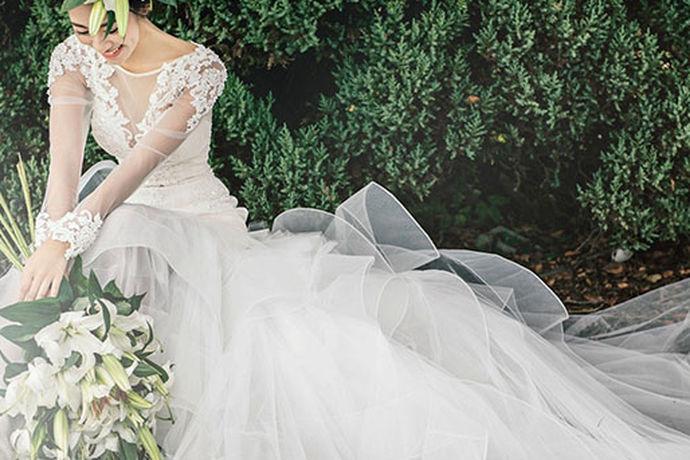 现在随着科学技术的发展,手机的摄像功能也越来越发达,人们平常都喜欢用拍照这一种方式来纪念平常生活中所发生的各种有意义或者有趣的事情。那么结婚作为人生中最重要的事情,肯定是要来拍婚纱照留念的,而且现在拍摄婚纱照好像已经成为在结婚之前的一种仪式感了,那么今天小编就为大家带来去三亚旅拍婚纱照攻略吧。