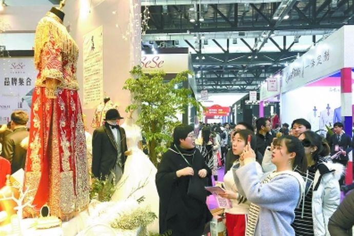 每一个人在生活中对于自己的婚礼都有着不一样的要求,大部分的新人都希望自己的婚礼能够举办的十分圆满与成功。今天中国婚博会小编就为大家带来2020年中国北京婚博会举行的时间。