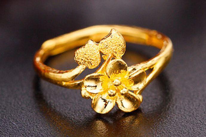 黄金的需求一直都是非常大的,黄金作为一种饰品,流通在市场中也一直受到大众们的喜欢,而且黄金它的保值功能让大家也比较喜欢购买黄金,今天小编就为大家带来2020黄金,多少钱一克,有兴趣的可以和小编一起看下去。