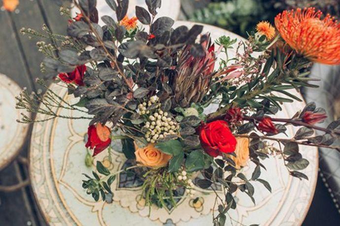 结婚是人生中少有的非常重要的事情,前些年代结婚都是在家里举行婚礼典礼,一家人来见证,现在随着人们生活水平的提高,对于婚礼典礼的要求也就越来越高,而且现在婚庆公司也层出不穷,各种风格的婚礼公司开始出现在大众眼前,那么爱丽舍宫婚礼会所怎么样?