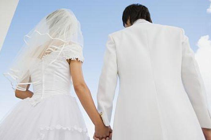 结婚对于每一个人来说都是非常重要的事情,一直以来,大家对于男人和女人结婚都有非常高的关注度,那么男人几岁结婚及女人几岁结婚,大家如果感兴趣的话,就和中国婚博会小编一起看下去吧!