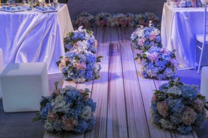 我们都知道在结婚的时候新人会请婚庆公司,婚庆公司可以帮新人解决很多的麻烦,让他们更加方便地筹备自己的婚礼。今天中国婚博会小编为您带来南京婚礼策划公司排行。