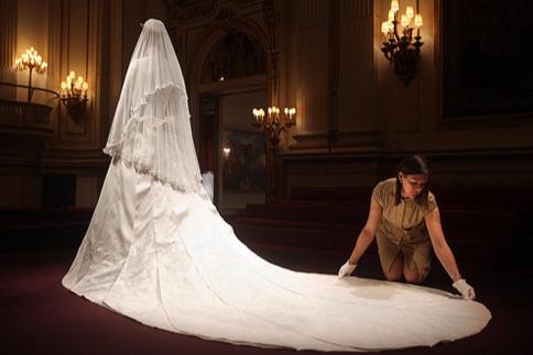 weiss婚纱价格是多少