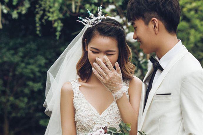 我国传统婚嫁习俗十分繁多冗杂,也有很多说法和讲究,尤其是生辰八字对于婚嫁的影响。那么今天小编就和大家讨论一下生日当月可以结婚吗这个问题吧。