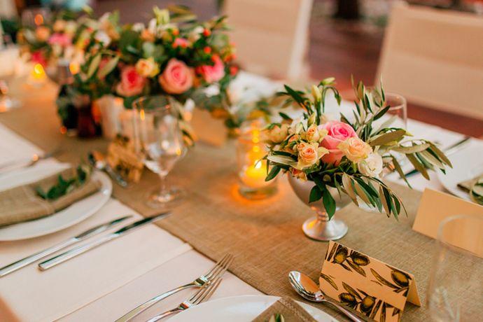面对动辄十几、二十桌的婚宴,如何让菜品满足所有宾客的口味,又可以做到营养搭配均衡,看起来还有面子,重点都在婚宴菜单的搭配上。记住婚芭莎小编教你的这3个婚宴菜单搭配原则,以上这些都不是问题。