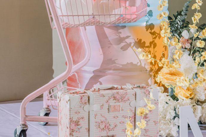 婚庆公司可以帮助新人很好的策划自己的婚礼,很多人在生活中都会根据自己的要求选择婚庆公司,今天中国婚博会小编就为大家带来武汉婚庆公司报价套餐。