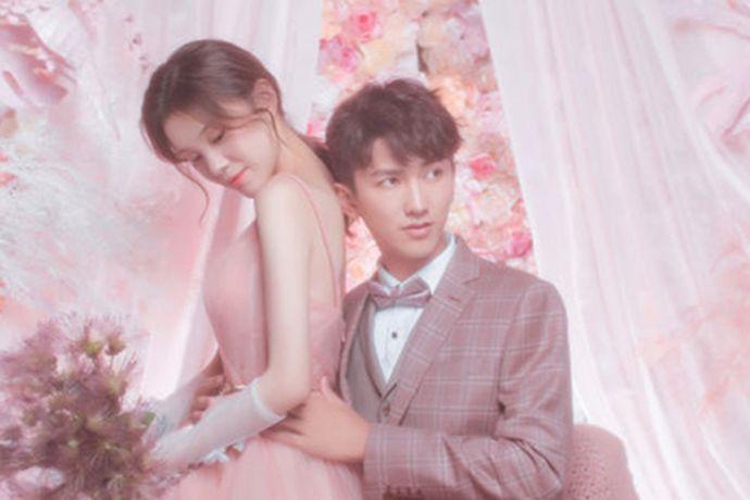 每一个新人都希望能够选择到自己适合的婚纱摄影店,现在很多婚纱摄影品牌都有专属于自己的婚纱摄影基地,今天中国婚博会小编就为大家带来深圳幸福岛婚纱摄影基地。